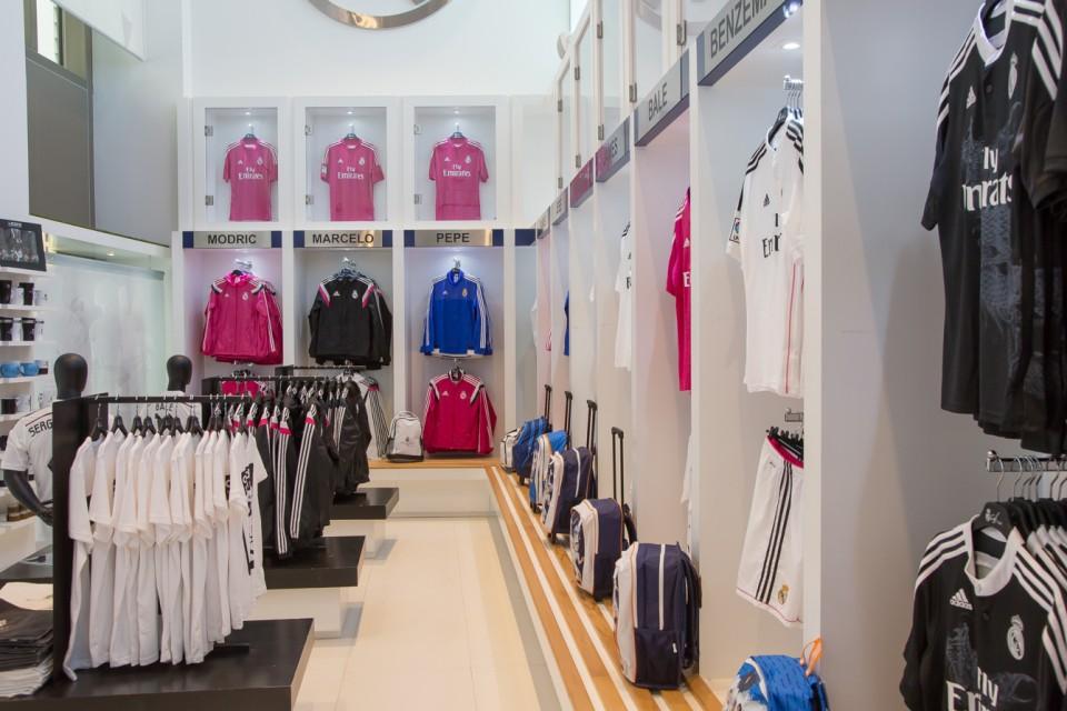 realmadridcafe-shop3
