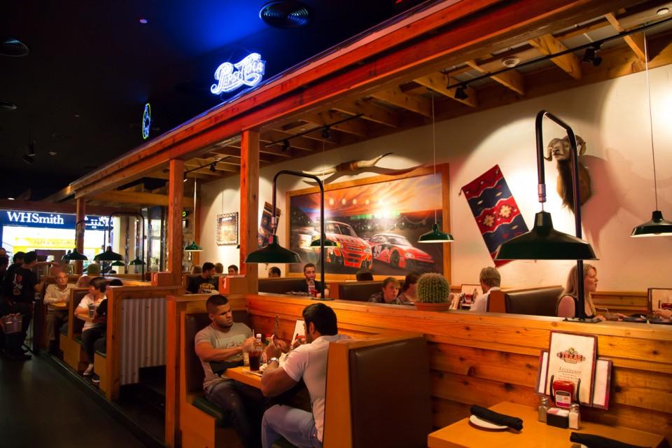 review-restaurant-texasroadhouse2