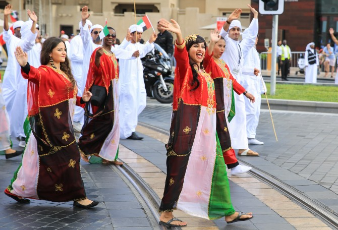 Foto's Downtown Dubai Parade 2015